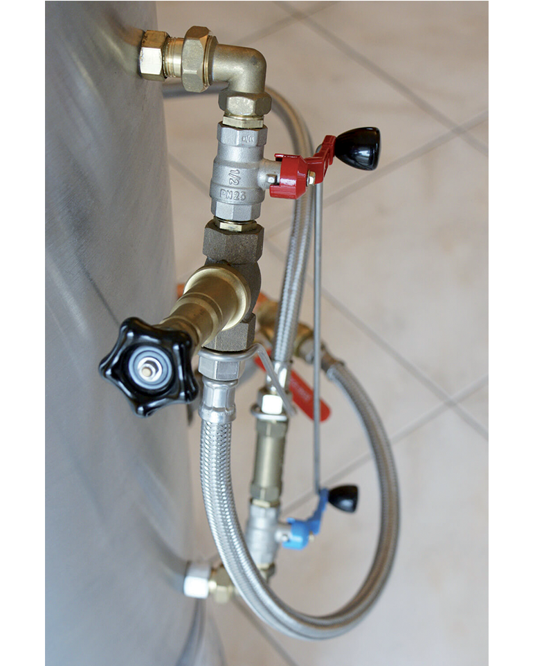 Tuyaux et robinets de remplissage